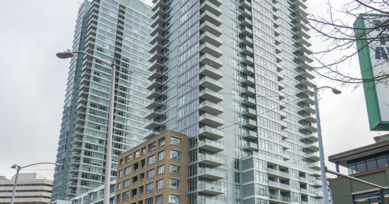 Luxurious Downtown Seattle High Rise Condo