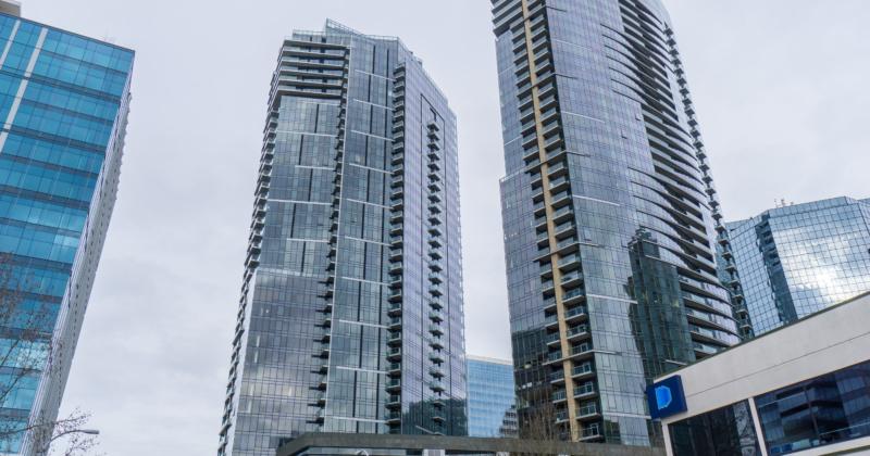 Luxurious Bellevue Tower Condominium
