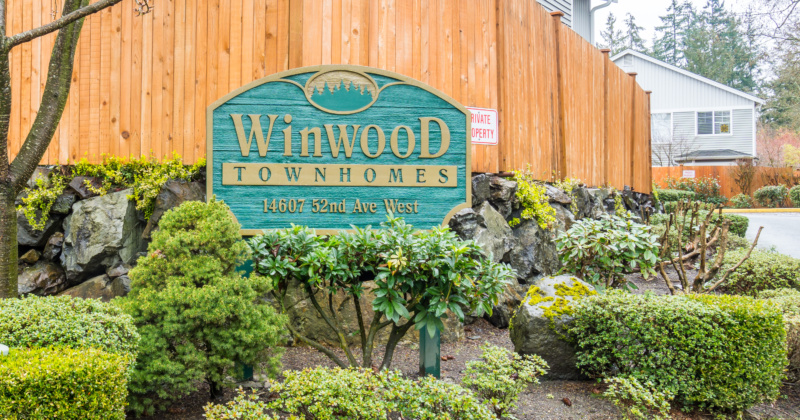 Quiet and Tranquil Townhome in Edmonds