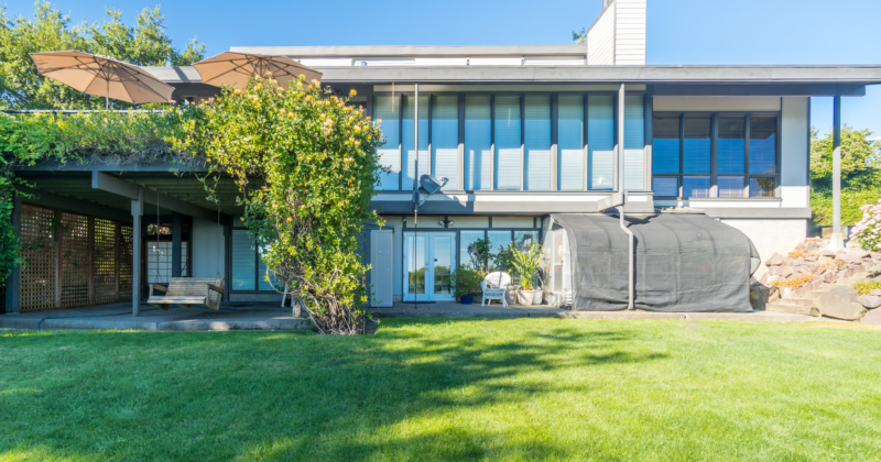 Spectacular Northwest Contemporary Home in Kenmore