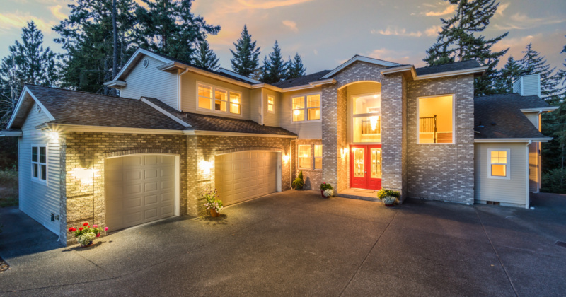 Luxurious Private Home in Lynnwood