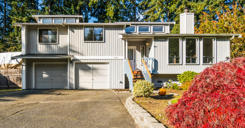 Beautifully Maintained Tri-level Home in Federal Way