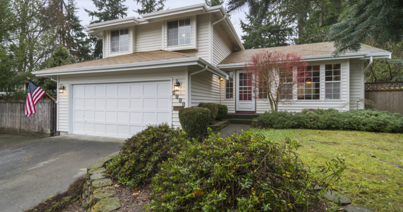 Two-Story Home with Large Backyard in Puyallup